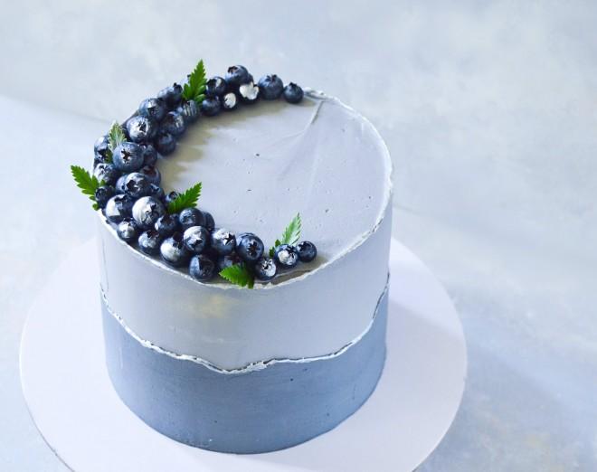 strwaberry-cake-white-angelasplate
